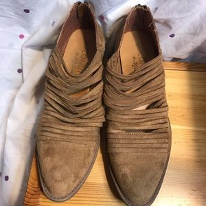 Brown suave bootie size 9 1/2